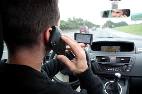 11609_phone-while-driving