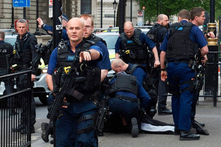 Firearms officiers from the British poli