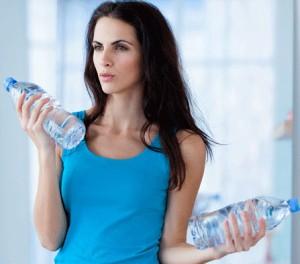 Bicep-Curls-using-Water-Bottles