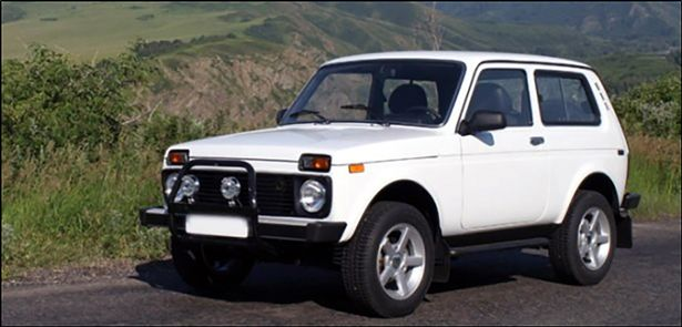 PAY-Lada-Niva-car_1_VazGarage_east2west