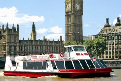family-thames-cruise-sightseeing-14150034